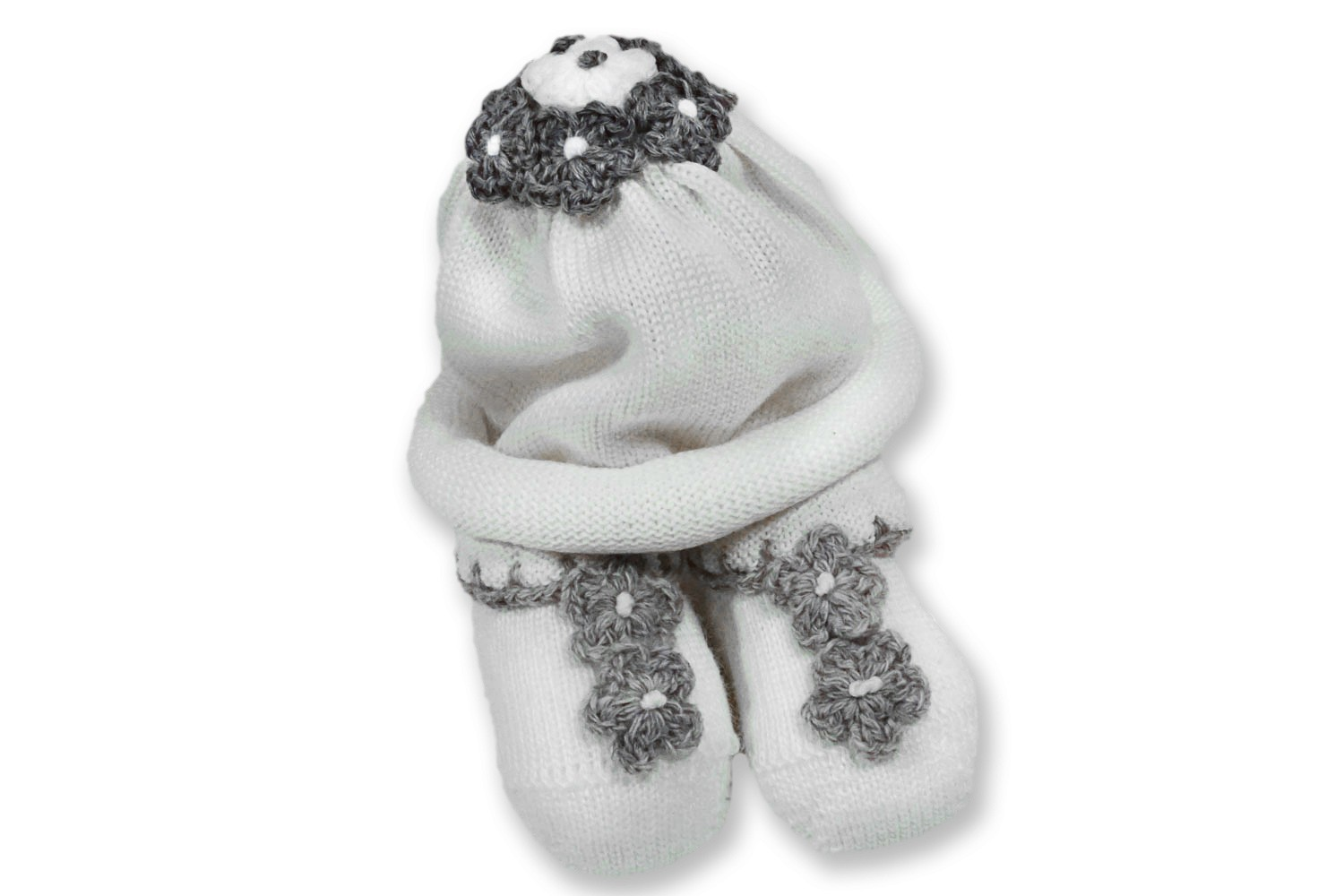 Baby girl and newborn set with hat and shoes with little gray flowers