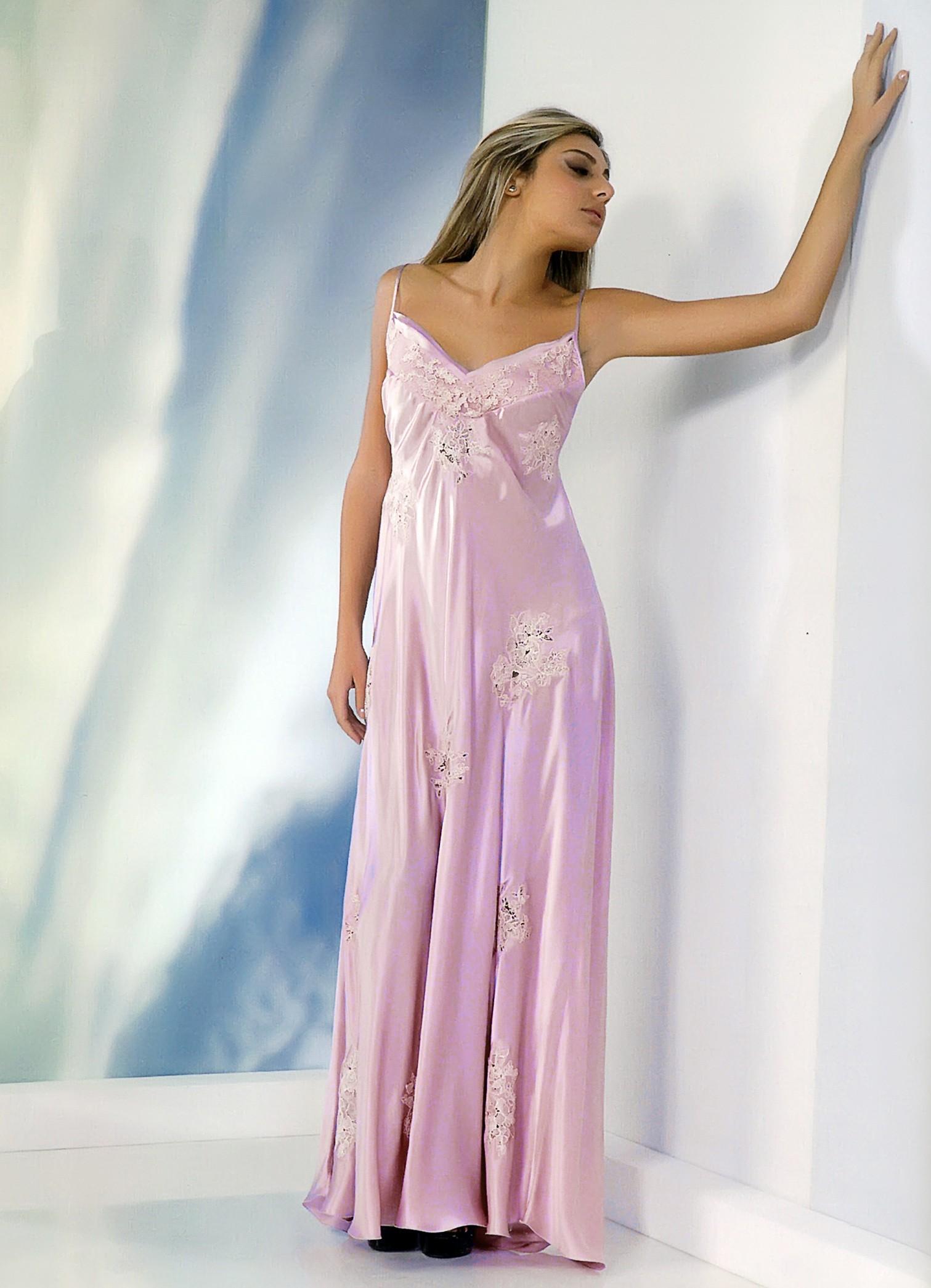 l'ultimo 4fff4 66a2e Calliope lussuosa camicia da notte in seta per signora.