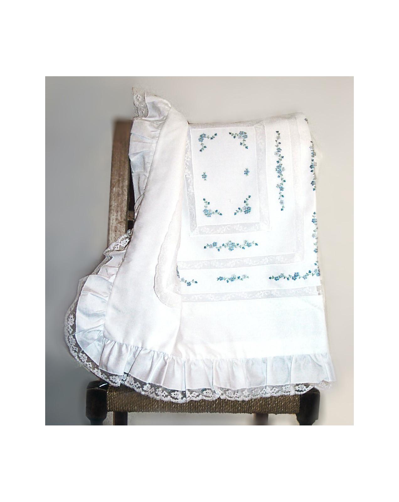 Lenzuolino e coperta ricamo fiori mammola