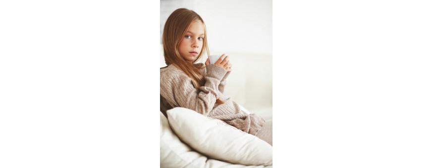 Maglieria per bambina e ragazza  elegante e della migliore qualità italiana.